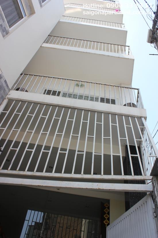 Studio serviced apartment 5mins drive to center district 1. 30sqm- 400 USD