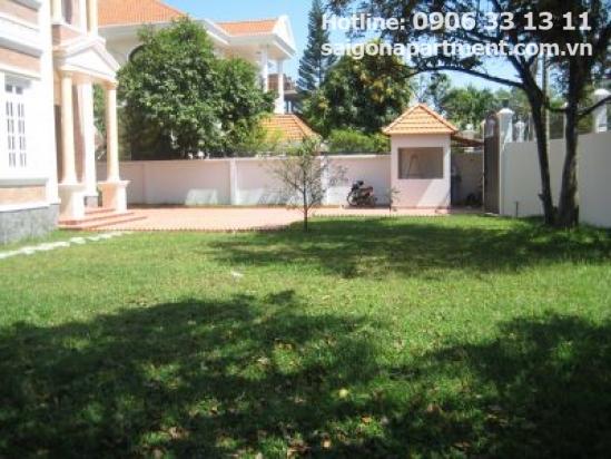 Nice Villa for rent in Tran Ngoc Dien street, Thao Dien ward, District 2.