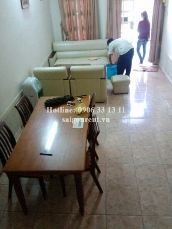 Nice house for rent in District 3, 700 USD/month