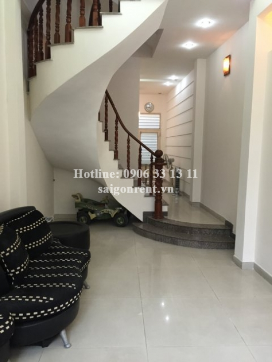 Nice house 03 bedrooms for rent in Binh Thanh, 5 mins drive to center district 1. 700 USD