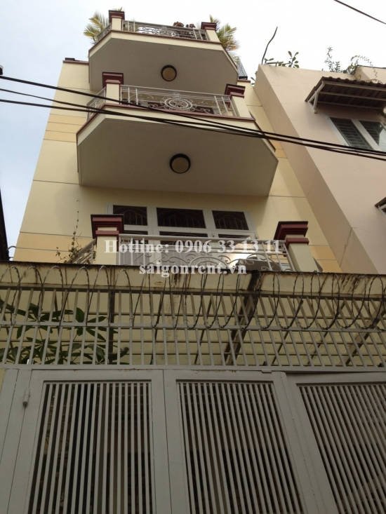 Nice-decorative house for rent on Tran Quang Dieu, District 3, 1000 USD/month
