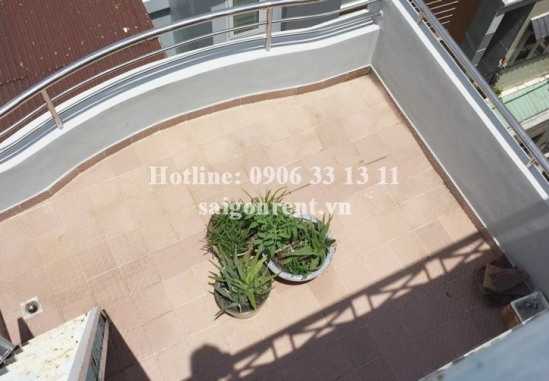 Convenient house 03 bedrooms for rent in Do Quang Dau street, center District 1: 700 USD