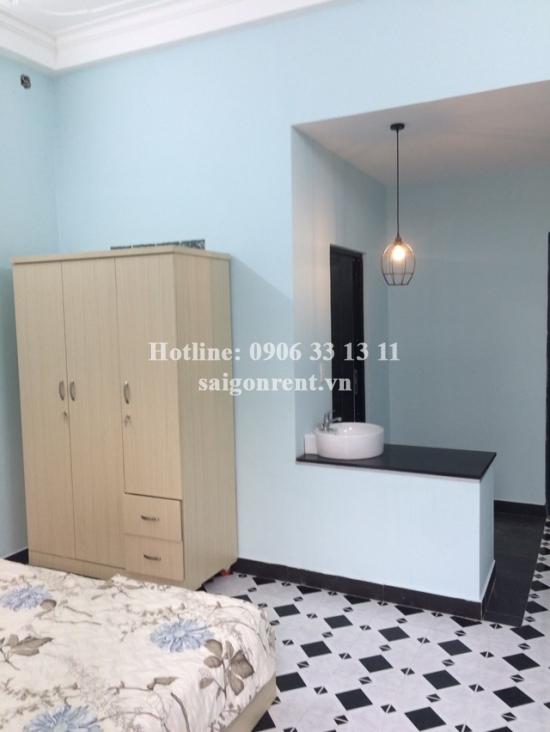 Studio apartment for rent on Nguyen Van Lac street, Binh Thanh District - 28 sqm - 380USD