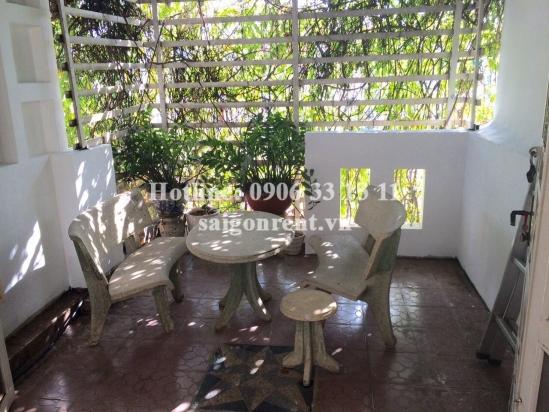 Nice house with 03 bedrooms on Tran Ke Xuong street, ward 7, Phu Nhuan district - 280 sqm - 1300 USD