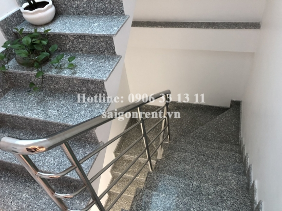 Brand new serviced room on 5th floor for rent on Nguyen Trai street, District 1. Usable area: 20sqm- 270 USD