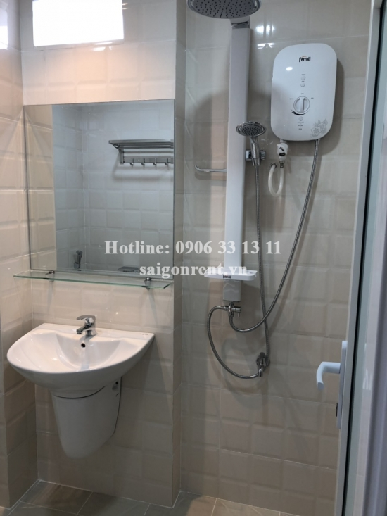 Serviced studio apartment  with balcony on 5th floor for rent on Tran Dinh Xu street, District 1 - 35sqm - 650 USD