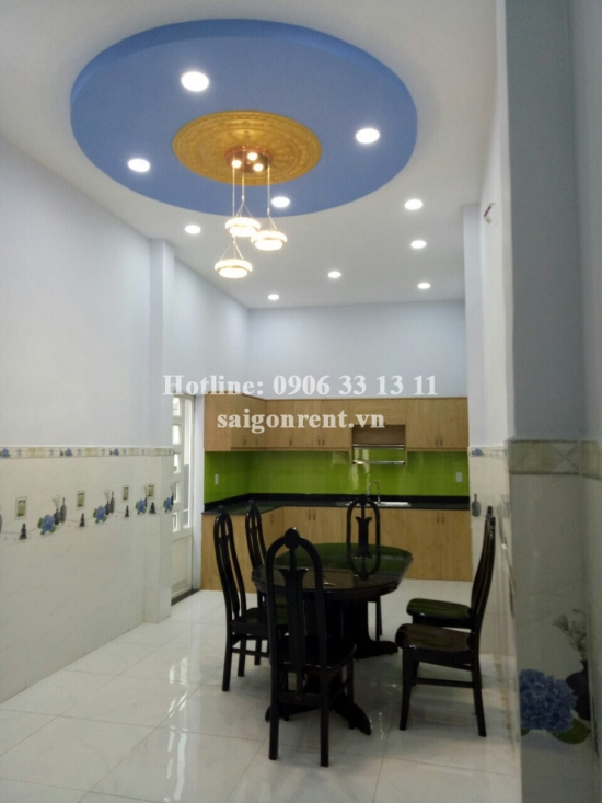 House unfurnished 03 bedrooms for rent on Le Van Sy street, ward 14, District 3, 800 USD