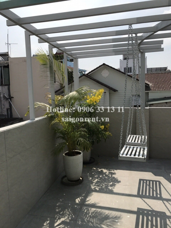 Apartment 01 bedroom , living room on topfloor for rent on Dien Bien Phu street, ward 15, Binh Thanh district - 55sqm - 550 USD( 13 millions VND)