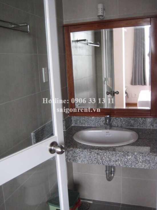 Serviced apartment 01 bedroom on top floor for rent on Nguyen Thien Thuat street, District 3 - 55sqm - 380 USD
