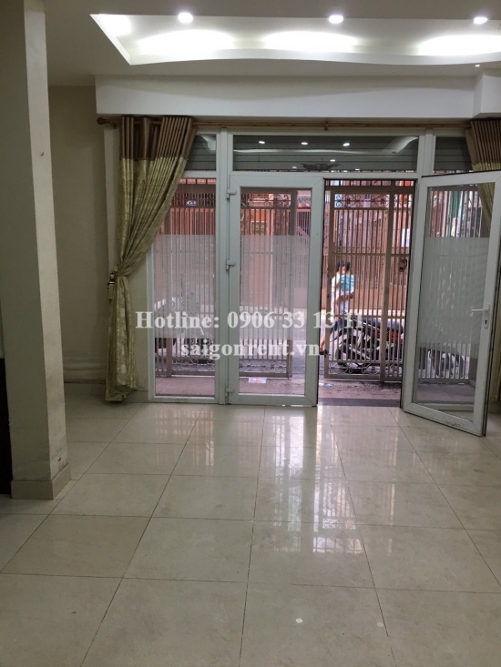 Beautiful house unfurniture with 03 bedrooms for rent at the coner Vuon Chuoi street and No 2 street, District 3 - 1800 USD