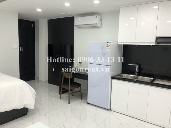 Serviced studio apartment 01 bedroom with balcony for rent on Nguyen Duy street, Binh Thanh District - 30sqm - 370 USD( 8.5 millions VND)