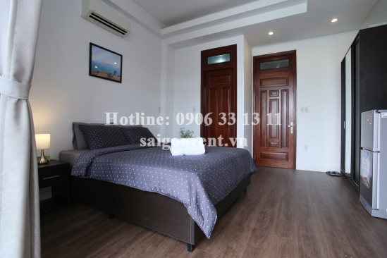 Serviced Room with balcony for rent on Dinh Cong Trang street, District 1 - 38sqm - 500 USD