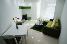 Nice serviced 01 bedroom apartment for rent on Pham Ngu Lao street, District 1 - 51sqm - 950USD