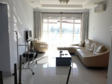 Apartment for rent in District 7 - HAGL3 building ( New Saigon) - Apartment 02 bedrooms on 6th floor for rent on Nguyen Huu Tho street - District 7- 550 USD